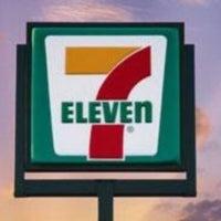 Foto tirada no(a) 7-Eleven por Boy B. em 11/5/2012