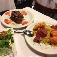 Foto scattata a Melo Restaurant da Doreen N. il 12/12/2012