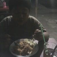 Photo taken at Mie Ayam dan Bakso Anugerah by Ainul H. on 10/28/2012