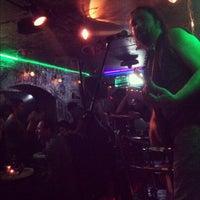 11/4/2012 tarihinde Eren A.ziyaretçi tarafından Fotoğraf Cafe & Bar'de çekilen fotoğraf