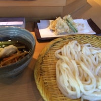 Photo taken at 手打釜揚うどん 鎌倉みよし by chez_sugi on 8/9/2015