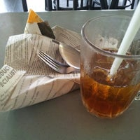 Photo taken at Restoran Al-Shafar Corner by ✽Šŭнǎǐмǐ Анмăd✽ on 2/13/2013