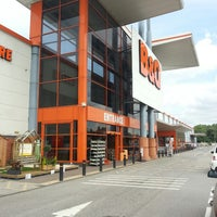 Photo taken at B&Q by T on 8/15/2013