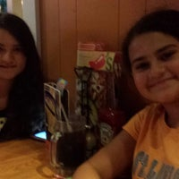 Photo taken at Chilis by Tania H. on 7/22/2013