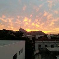 Photo taken at Universidade Federal do Estado do Rio de Janeiro (UNIRIO) by Nicole W. on 4/29/2013