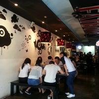 Das Foto wurde bei Fat Boy's The Burger Bar von Celes 思. am 1/13/2013 aufgenommen