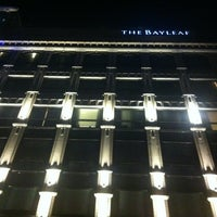 Photo prise au The Bayleaf Hotel par Idda Barbara R. le4/14/2013