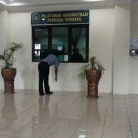 Photo taken at Pengadilan Negeri Balikpapan by Wijayanto N. on 11/20/2013