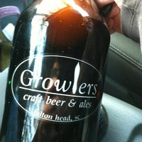 Photo taken at Growler's Craft Beer And Ales by Joe T. on 11/7/2012