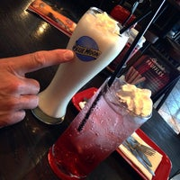 Photo taken at Red Robin Gourmet Burgers by Angela O. on 6/9/2015