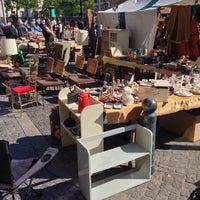 Foto scattata a Flohmarkt am Rathaus Schöneberg da Sayeed il 5/7/2016
