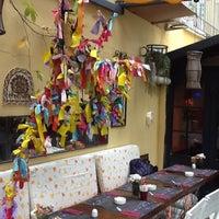11/11/2012 tarihinde Gulcan U.ziyaretçi tarafından Café des Cafés'de çekilen fotoğraf