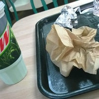 Photo taken at Taco Bell by Marcio S. on 9/14/2014
