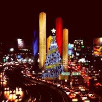 Foto tomada en Torres de Satélite por Efrax D. el 12/19/2012