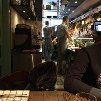 Foto tomada en Кафе 26/28 por Vlad L. el 12/25/2016