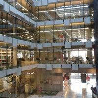 Foto tomada en Biblioteca Nicanor Parra por Alexis T. el 6/12/2013