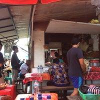 Photo taken at Nasi Bali Men Weti by Indhira K. on 12/2/2016