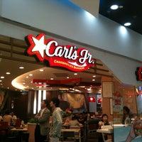 Photo taken at Carl's Jr. | 卡乐星 by Luke d. on 9/30/2012