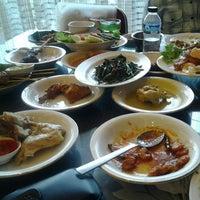 1/3/2013 tarihinde abiyoza lie chai k.ziyaretçi tarafından Restoran Sederhana'de çekilen fotoğraf