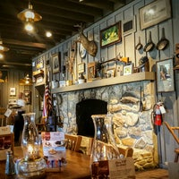 Photo taken at Cracker Barrel Old Country Store by Martina Z. on 10/3/2017