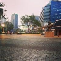 2/13/2013 tarihinde Thiti K.ziyaretçi tarafından Benchasiri Park'de çekilen fotoğraf