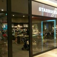 Photo taken at 星巴克 Starbucks by KC Y. on 3/4/2016