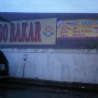 Photo taken at Bakso Bakar Putra arema by Ari W. on 12/22/2013