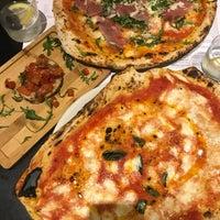 Foto tomada en NAP: Neapolitan Authentic Pizza por Huseyin S. el 1/21/2018