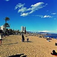 Foto tirada no(a) Praia da Barceloneta por Celso S. em 3/9/2013
