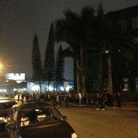 Photo taken at Pracinha Da Univille by Thaise S. on 5/25/2013