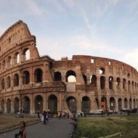 Foto scattata a Colosseo da Nik S. il 6/19/2013