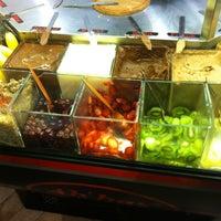 3/10/2013 tarihinde Mert M.ziyaretçi tarafından Ab'bas Waffle & Cafe'de çekilen fotoğraf