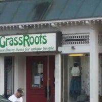 Photo taken at Grassroots by Debbie Grier H. on 5/8/2016