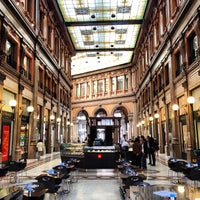 Foto tirada no(a) Galleria Alberto Sordi por Antonio P. em 4/19/2013