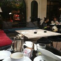 Foto scattata a Hotel Locarno da Giulia Z. il 10/9/2012