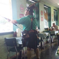 Photo taken at Pappy's Old Fashioned Hamburger Co. by Gary G. on 10/9/2014