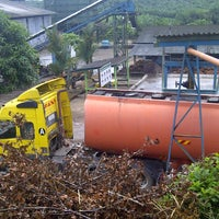 Photo taken at KualaPertang Palm Oil Mill by Wock M. on 2/3/2013