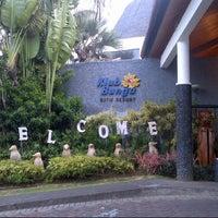 Photo taken at Klub Bunga Butik & Resort by Eka R. on 11/14/2012