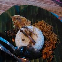 """Photo taken at Nasi Kucing """"ANGKRINGAN"""" Kapok Lombok by Ferdi S. on 2/8/2014"""