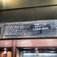 Das Foto wurde bei Prohibition Tap Room von Joeycee am 6/2/2013 aufgenommen