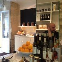 Photo prise au Claus - La table du petit-déjeuner par Fanny L. le9/16/2012