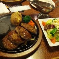 Photo taken at トマト&オニオン 徳島沖浜店 by u2yss on 2/2/2013