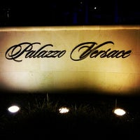 Photo taken at Palazzo Versace by Yinle X. on 6/16/2013