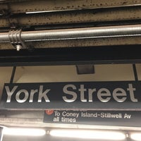 Photo taken at MTA Subway - York St (F) by Nobunari O. on 6/18/2017