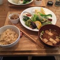 Photo taken at オーガニックマクロビcafe おひさまや by KYOSUKE on 8/7/2017