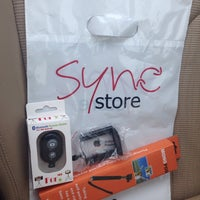 Photo taken at Sync Store | Apple by Shoaib S. on 5/31/2014