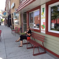 Photo taken at Gina's Italian Ice by Tom M. on 8/28/2014