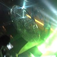 Foto tomada en Saint Nightclub por Ro T. el 6/24/2017