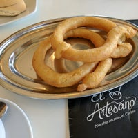4/4/2017 tarihinde Roee L.ziyaretçi tarafından Cafetería Churrería El Artesano'de çekilen fotoğraf