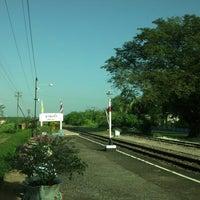 Photo taken at สถานีรถไฟบางแก้ว (Bang Kaeo) SRT4331 by โบโบ้~ แ. on 1/18/2013